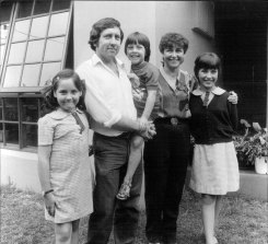 Psychologist Dr Graeme Russell with wife Susan and three children.