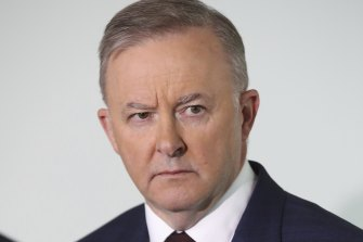 Opposition leader Anthony Albanese says the vaccination of aged care workers should have been finished months ago.