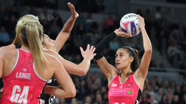Focus: Maria Folau of Thunderbirds shoots.