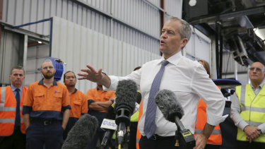 Opposition Leader Bill Shorten will allow manufacturers and other companies to buy international permits to meet their obligations to reduce carbon emissions.