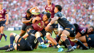 Tupou will stay in Queensland for four more seasons.