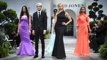 From left: Jessica Gomes, Anwar Hadid, Adut Akech, Karolina Kurkova and Victoria Lee.