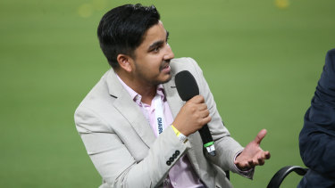 Fahim Khondaker speaking with the Brisbane Lions at the Gabba.
