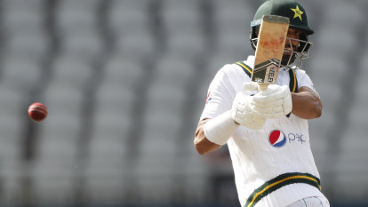 Shan, Abbas put Pakistan on top against England