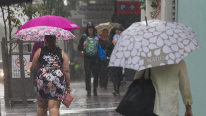 Warmer nights but rainy days to come in Queensland this winter
