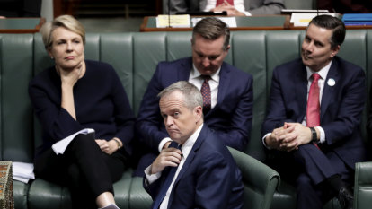 Politics Live: Labor frontbenchers dismiss concerns about Shorten's 'captain's call'