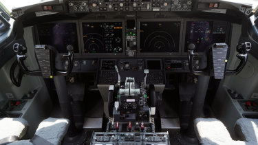 Mobile phone interference could prompt cockpit screens to go blank on some Boeing jets, the FAA has warned.