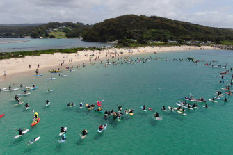 As many as 400 people joined a paddle to support the reinstatement of marine sanctuaries in the Batemans Bay area.