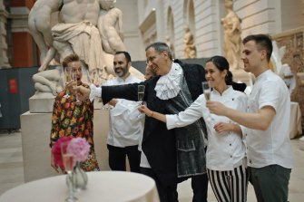 The movie documents the collaboration between Yotam Ottolenghi and the Metropolitan Museum of Art in New York.
