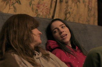 Eilish with her mum Maggie Baird in a scene from Billie Eilish: The World's a Little Blurry.