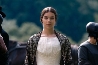 Hailee Steinfeld stars as a rebellious Emily Dickinson.