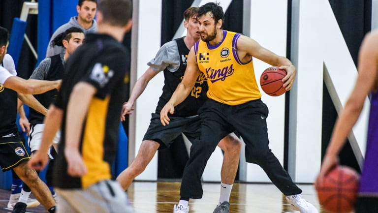 Andrew Bogut training with his new team, the Sydney Kings.