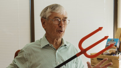 It's franking ridiculous ... and Dick Smith says so too
