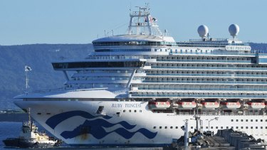 The Ruby Princess carrying hundreds of sick crew with possible coronavirus enters Port Kembla.