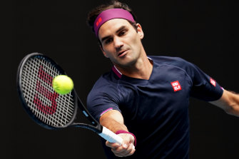 Roger Federer had little trouble moving into the second round.