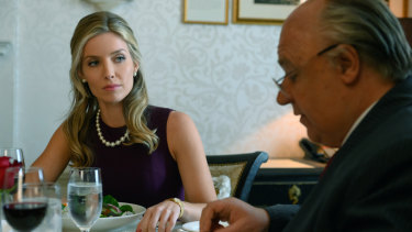 Annabelle Wallis as Laurie Luhn and Russell Crowe as Roger Ailes. Their relationship goes from adulterous to abusive.