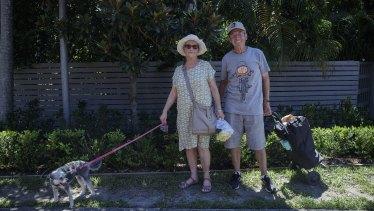 Rhonda dan Kevin Smith telah ditemani oleh anjing cucu mereka Missy selama penguncian Pantai Utara yang berakhir hari ini.