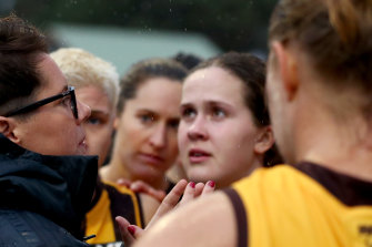 Adelaide AFLW premiership coach Bec Goddard coaching Hawthorn's VFLW team this year.