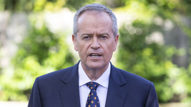 Seats falling Labor's way in Victoria could be enough to give Bill Shorten the keys to the Lodge.