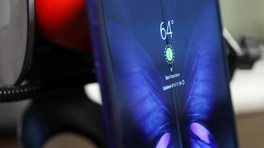 The crease is visible, especially from the side, but it mostly disappears front-on when the screen is lit up.