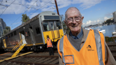 Former rail engineer Geoff Moss marked the retirement of the S-Sets on Thursday.
