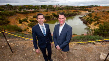 Federal Minister for Trade, Tourism and Investment Simon Birmingham (left) and Hydrostor CEO Curtis VanWalleghem announcing Australia's first compressed air energy storage project at Angas Zinc Mine, in South Australia.