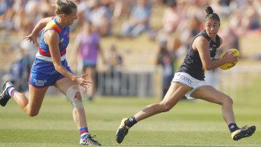 Fleet footed: Darcy Vescio breaks forward for Carlton.