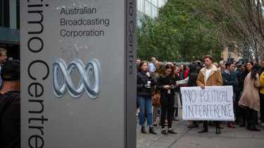 ABC staff walk out over chairman Justin Milne's email urging managing director Michelle Guthrie sack a senior journalist.