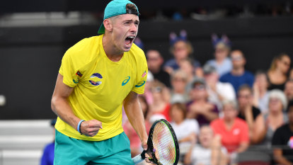 De Minaur digs deep to put Aussies on course for ATP Cup finals