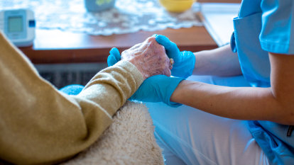 Many barriers to deal with before mandating aged care vaccinations, Victoria says