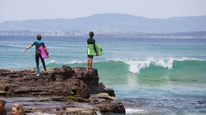 Three Sydney men dead after being swept into surf at Port Kembla