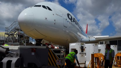 Qantas goes after slice of frequent buyers' credit card spending