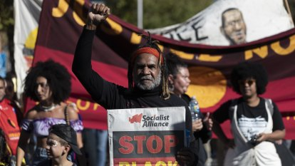 Aboriginality should be a factor in granting bail, inquiry recommends