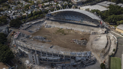 Deadline for hiring new Sydney Football Stadium builder to be missed