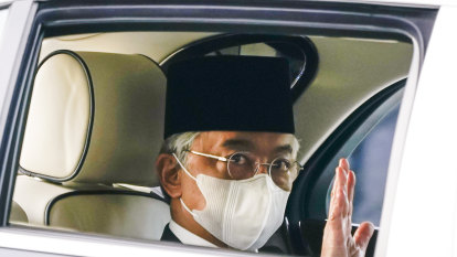 Malaysian king steps up to tackle COVID crisis as political unrest mounts