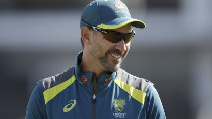 Australian team turn to iPads to watch Cricket World Cup