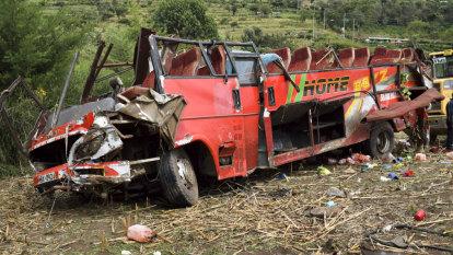 Dozens killed in Kenya bus crash