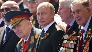 President Vladimir Putin has thrown his heavyweight support behind a Russian Rugby World Cup bid.