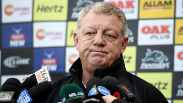 Panthers general manager of football Phil Gould tried to sign Wayne Bennett at the same time his chairman Dave O'Neill was signing Ivan Cleary.