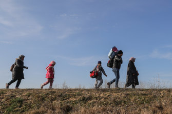 Turkey announced on Saturday that it would open its borders to allow refugees to cross into Europe.