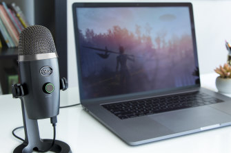The Blue Yeti Nano has an omnidirectional mode, so it can go in the middle of a group of people.