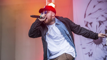 Mac Miller has a run in with Donald Trump and asked his fans not to vote for him.