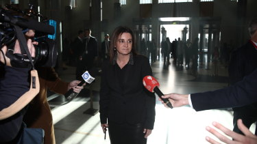 Senator Jacqui Lambie will wave through a contentious cashless welfare card program when Parliament resumes this week.