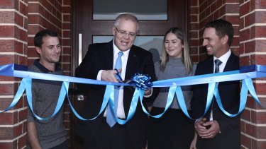 Scott Morrison and federal Liberal candidate for Indi Steve Martin visit first home owners Andy and Caitlin at their new home in Wangaratta.