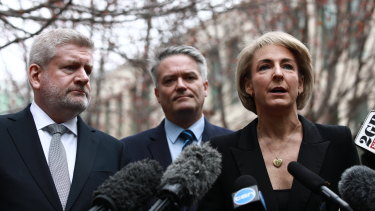Cabinet ministers Mitch Fifield, Mathias Cormann and Michaelia Cash announce they could no longer support Malcolm Turnbull's leadership.