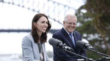 Prime Minister Scott Morrison with New Zealand counterpart Jacinda Ardern. Citizens of both countries highly rate their governments' reactions to the pandemic.