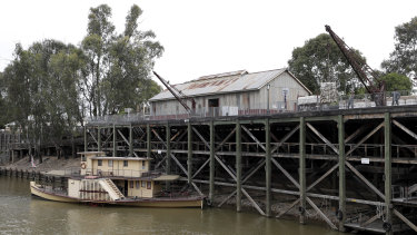 Regional towns such as Echuca on the Murray River face challenges in attracting international tourists.