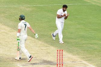 Shardul Thakur celebrates the wicket of Tim Paine.