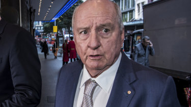 Alan Jones has apologised to Louise Herron over his remark.