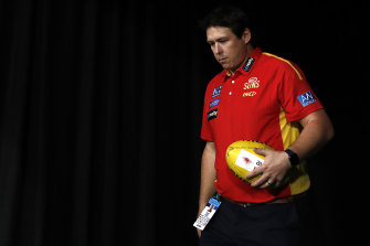 Suns coach Stuart Dew has signed a two-year contract extension.